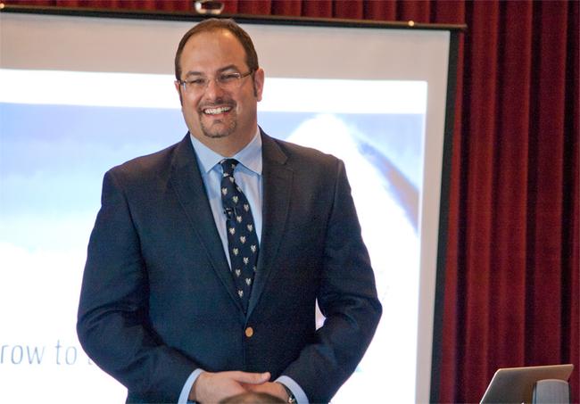 Speaker Matthew  Ferrara Matthew helps companies create the future they wish to see.