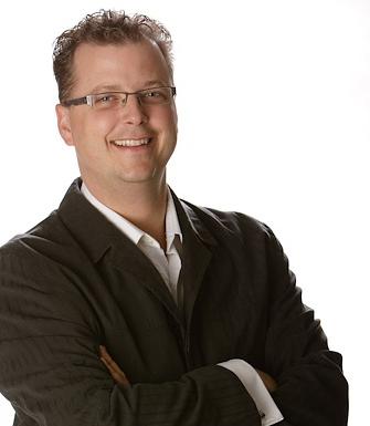 Speaker Tyler Hayden Team Building professional speaker Tyler Hayden wants to teach you how to Live Life Large!